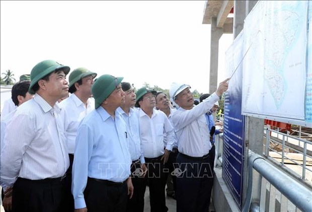 PM requests sufficient water supply in drought-hit Mekong Delta hinh anh 1