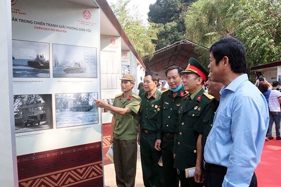 Dak Lak celebrates 45th liberation anniversary hinh anh 1
