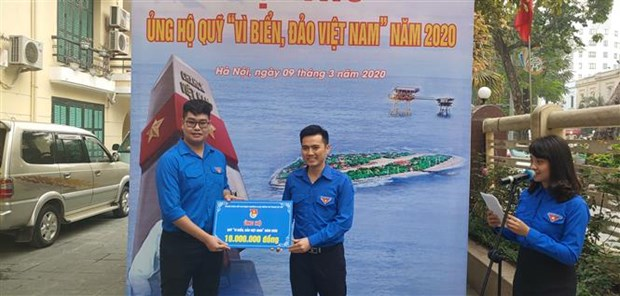 Hanoi youths support fund for Vietnam's sea, islands hinh anh 1