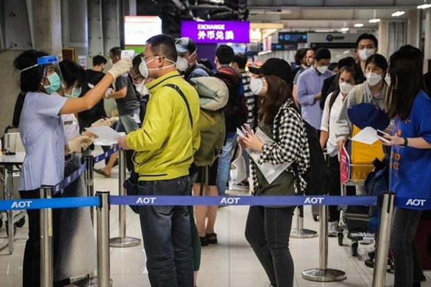Thailand cancels visa on arrival for 18 countries amid COVID-19 hinh anh 1