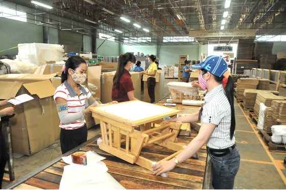 Wood exports post marked growth amid virus outbreak hinh anh 1