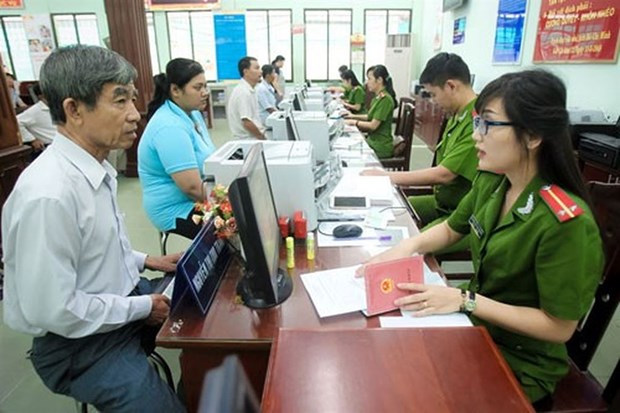 National population database to be completed next year hinh anh 1