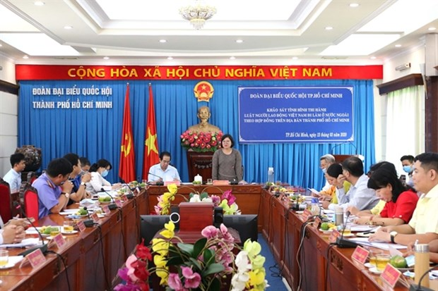 HCM City works to ensure training for guest workers hinh anh 1