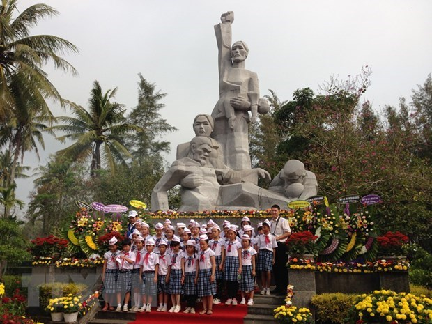 Quang Ngai province commemorates victims of Son My massacre hinh anh 1