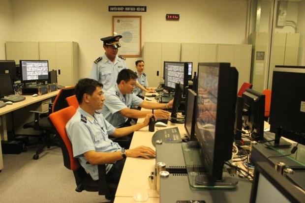 Automated aviation customs system to officially open in May hinh anh 1