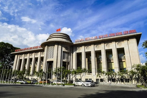 Central bank cuts interest rates to buffer COVID-19 impact hinh anh 1