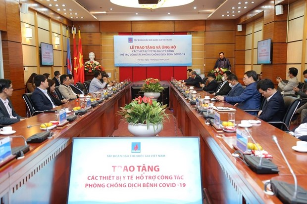 PetroVietnam grants aid to Health Ministry to fight COVID-19 hinh anh 1