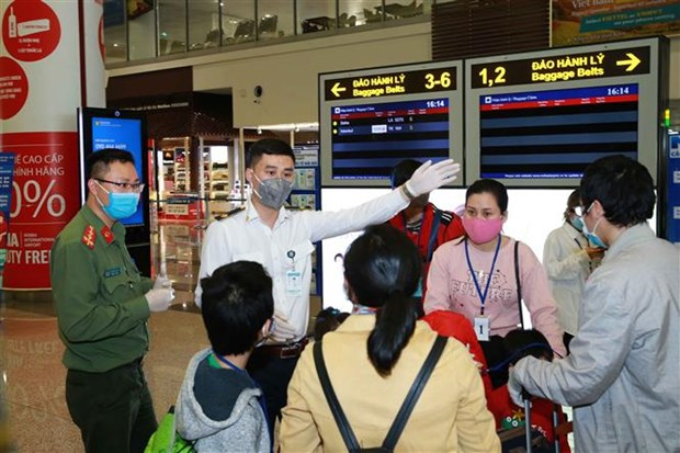Vietnamese airlines suspend many international routes hinh anh 1