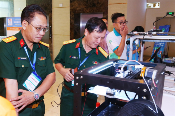 HCM City develops 3D-printed robot to disinfect rooms hinh anh 1