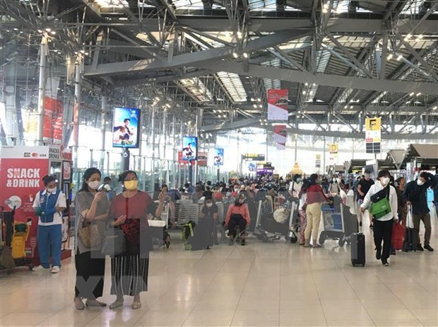 Vietnamese in Thailand advised to obey countermeasures against COVID-19 hinh anh 1