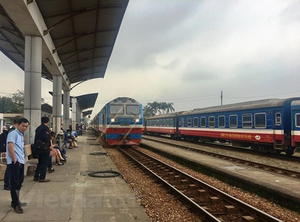 Coronavirus puts brake on Hanoi-HCM City trains hinh anh 1