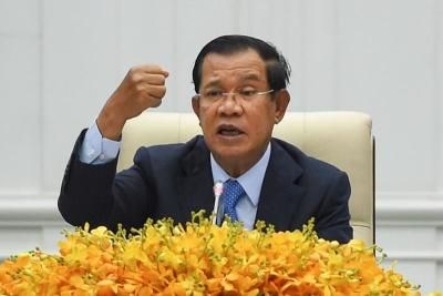 Cambodia cancels all int'l meetings amid COVID-19 hinh anh 1