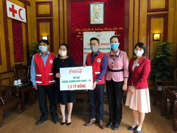 Coca-Cola Vietnam donates 7.2 billion VND to COVID-19 prevention hinh anh 1