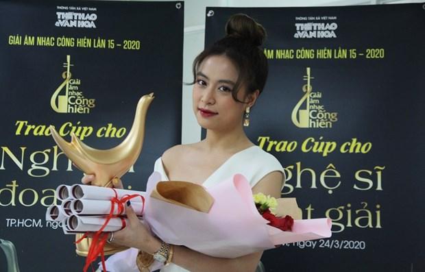 Hoang Thuy Linh wins