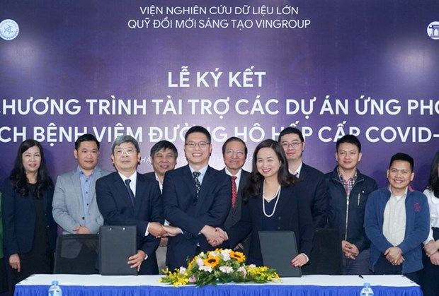 Vingroup offers additional relief package in COVID-19 fight hinh anh 1