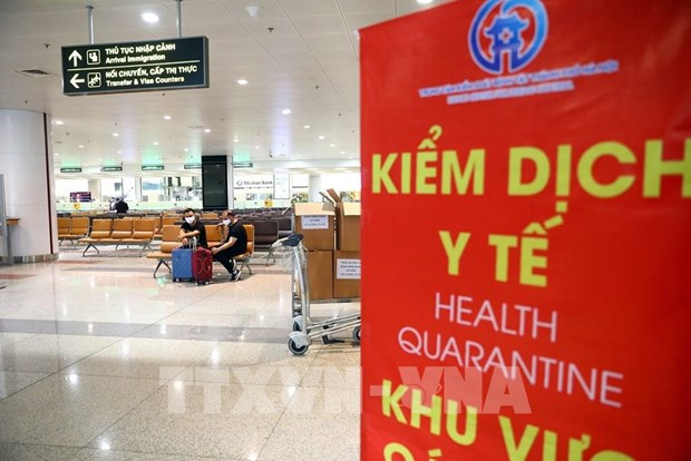 Noi Bai airport suspends receiving flights carrying Vietnamese citizens from abroad hinh anh 1