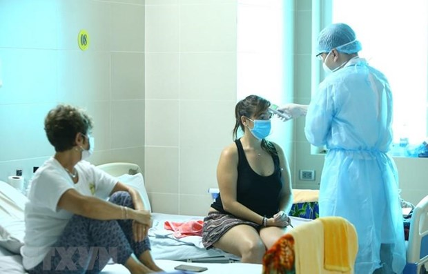 Vietnam records 10 more COVID-19 cases, bringing total to 163 hinh anh 1