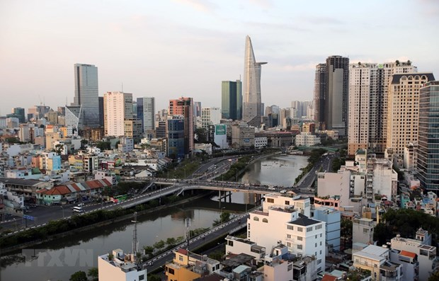 Vietnam's first-quarter GDP growth hits decade low hinh anh 1