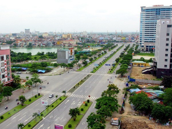 COVID-19: Hai Phong sprays disinfectant over entire city hinh anh 1