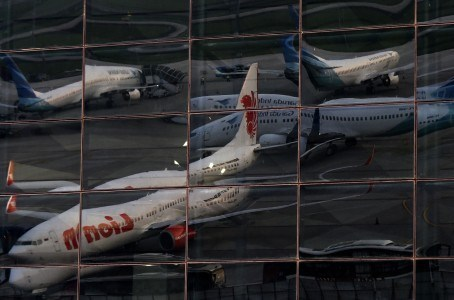 Indonesian airlines cut staff due to COVID-19 hinh anh 1