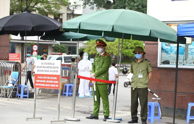 Hanoi, HCM City issue rules for citizens to fight COVID-19 hinh anh 1