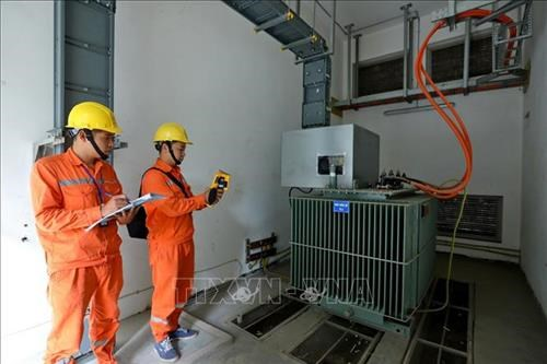 10 percent cut in electricity prices proposed to help ease COVID-19 impact hinh anh 1