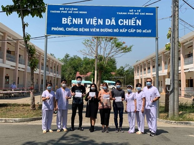Five more COVID-19 patients recover, total at 90 hinh anh 1