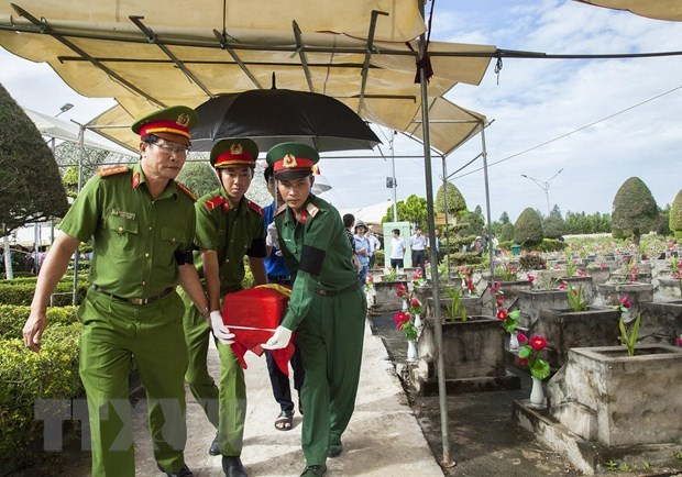 Gia Lai receives more remains of Vietnamese volunteer soldiers from Cambodia hinh anh 1