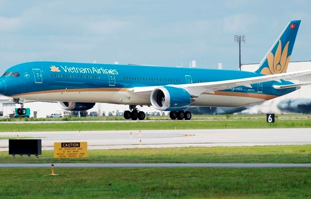 Vietnam Airlines offers free transport for health workers, medical equipment hinh anh 1