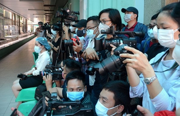 Ministry proposes support for communications firms, press agencies hinh anh 1