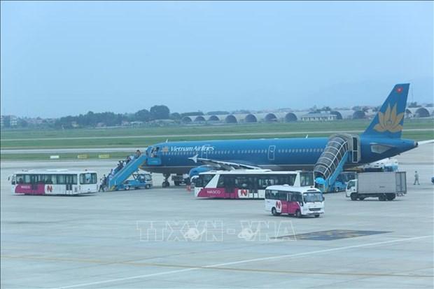 Vietnam Airlines brings 12 Vietnamese stranded in Japan home hinh anh 1