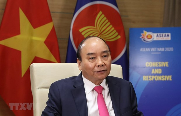 Prime Minister talks on outcomes of Special ASEAN, ASEAN+3 Summits on COVID-19 hinh anh 1
