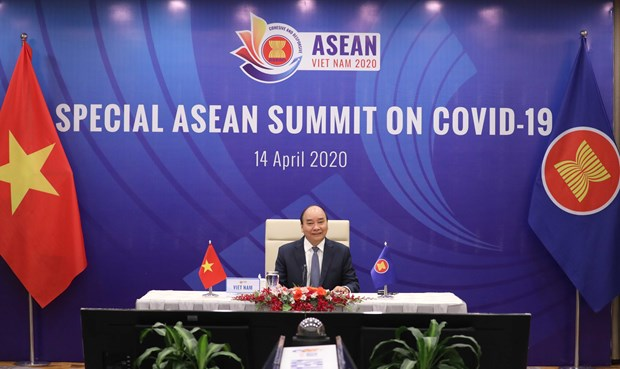 PM Phuc delivers opening speech at ASEAN Special Summit on COVID-19 Response hinh anh 1