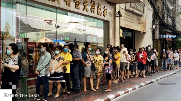 Bangkok citizens sell off gold as price hits new high hinh anh 1
