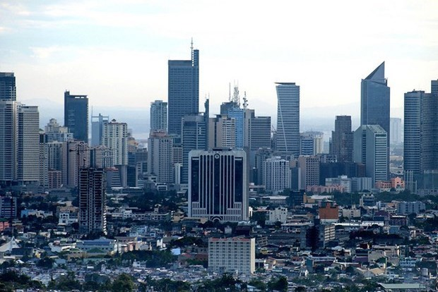 IMF cuts Philippine 2020 GDP growth forecast to 0.6 percent hinh anh 1