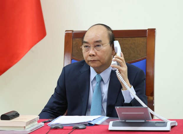 Vietnamese, Swedish PMs hold phone talks over COVID-19, bilateral relations hinh anh 1