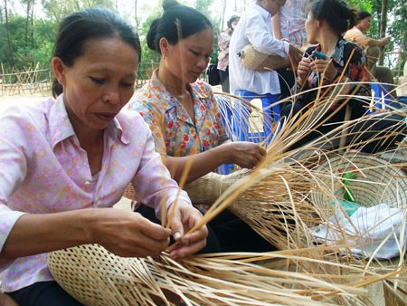 Social enterprises need specific Gov't support policies: survey hinh anh 1
