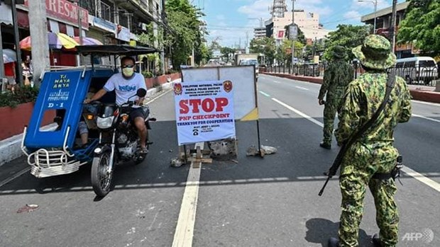 Philippine President eyes martial law-like COVID-19 crackdown hinh anh 1