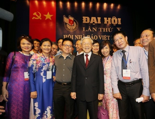 Top leader sends greetings to Vietnam Journalists' Association on 70th anniversary hinh anh 1