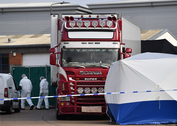 Irish court tries man for suspected connection with Essex lorry deaths hinh anh 1