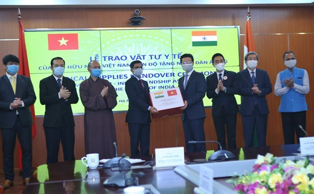 Friendship association assists Indian people with 100,000 masks hinh anh 1
