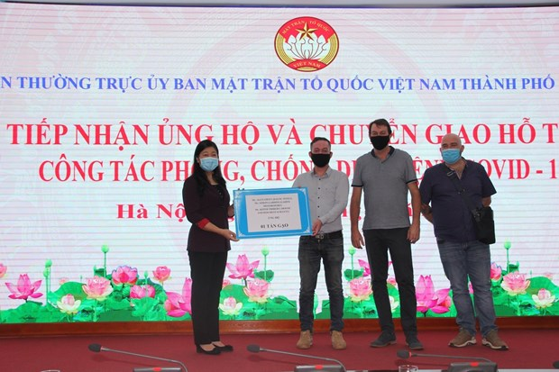 Donations worth 4.3 million USD help with Hanoi's anti-pandemic efforts hinh anh 1