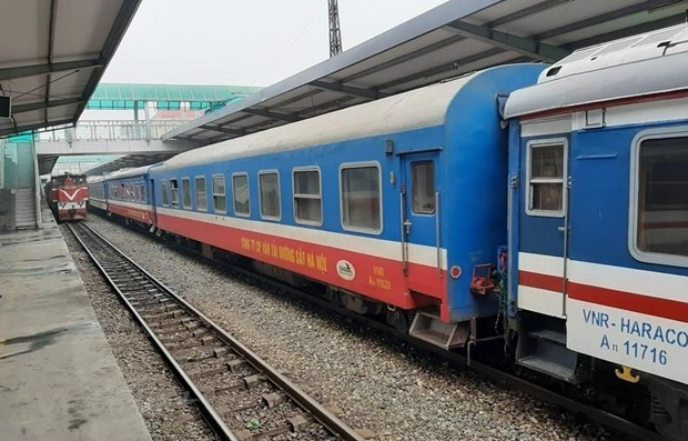 Additional return trip on Hanoi-HCM City rail route to run from April 23 hinh anh 1