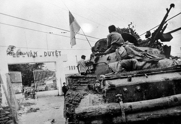 Documentaries produced to mark 45th anniversary of liberation of southern Vietnam hinh anh 1