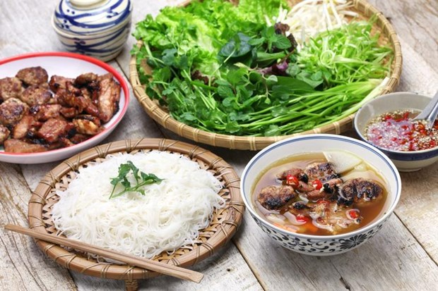 French newspaper introduces Hanoi's must-eat street food hinh anh 1
