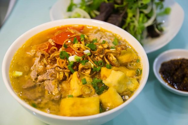 French newspaper introduces Hanoi's must-eat street food hinh anh 2