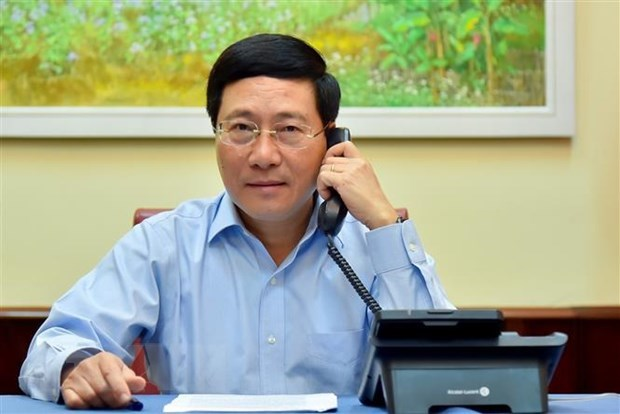 Deputy PM holds phone talks with Estonian FM hinh anh 1