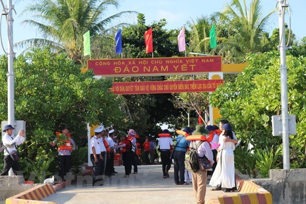 HCM City funds construction of medical station in Truong Sa archipelago hinh anh 1