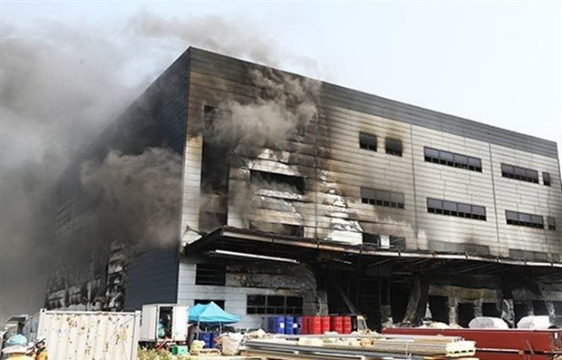PM Nguyen Xuan Phuc offers sympathy to RoK over deadly fire in Gyeonggi hinh anh 1