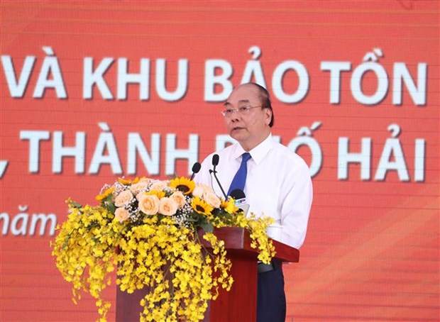 PM Phuc attends launching ceremony to protect to preserve historical relic hinh anh 1